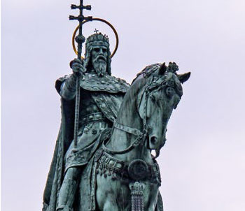 San Esteban de Hungría, Perfecto guerrero y devoto de Nuestra Señora