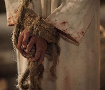 Amarraron las divinas manos del Redentor